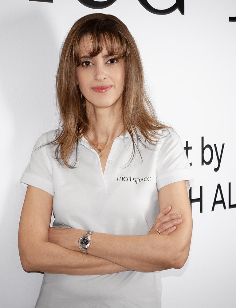 Dr. Elena Constantinou-Deuretsbacher | Spezialistin für Handchirurgie